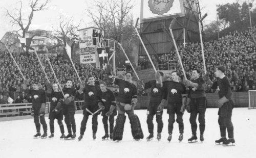 THE SMOKIES WIN - 1939